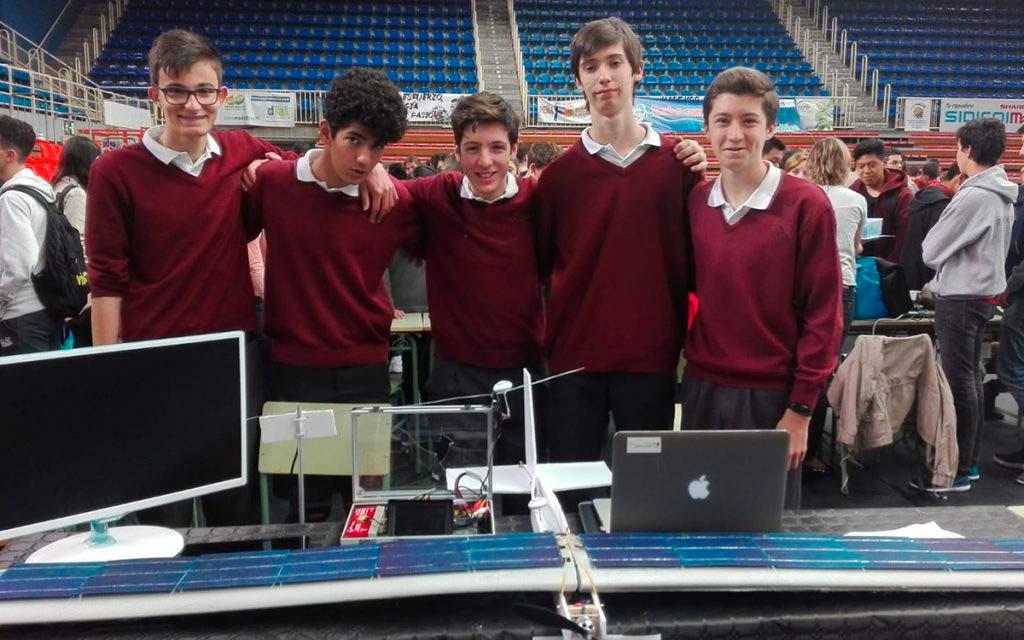 Colegio Alarcón - Campeones certamen de robótica